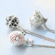 Inspirational Sets Necklaces with metal pendants