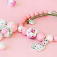 NEW New: ceramic beads in pretty colours and trendy designs!