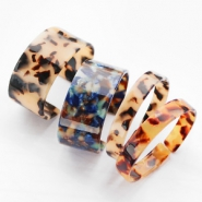 NEW NEW: fabulous resin bracelets!