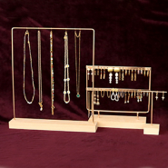 NEW New stylish jewellery displays!