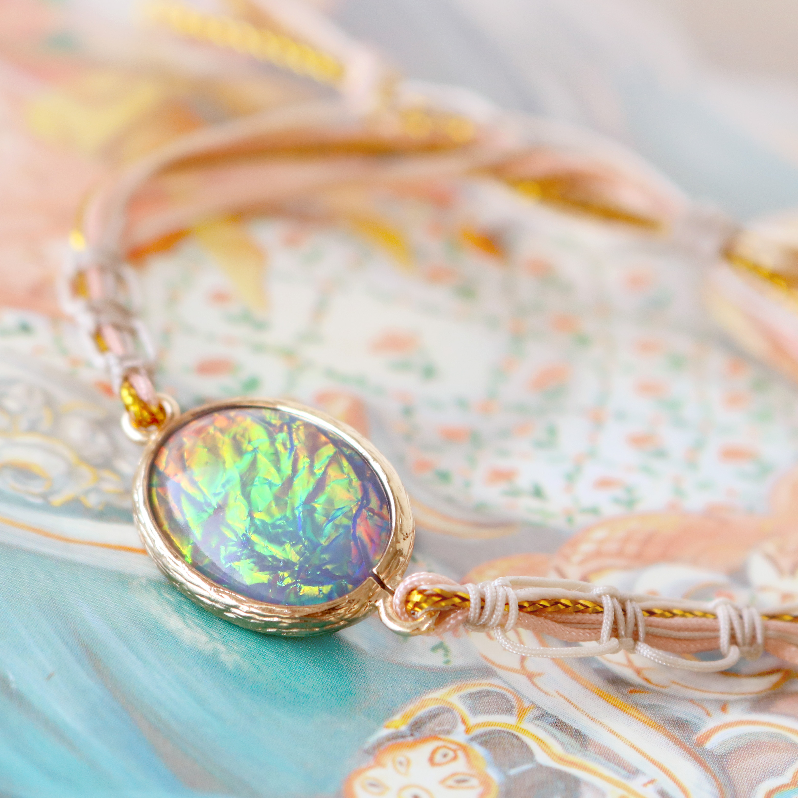 Jewellery with magical details of new crystal glass charms holographic!