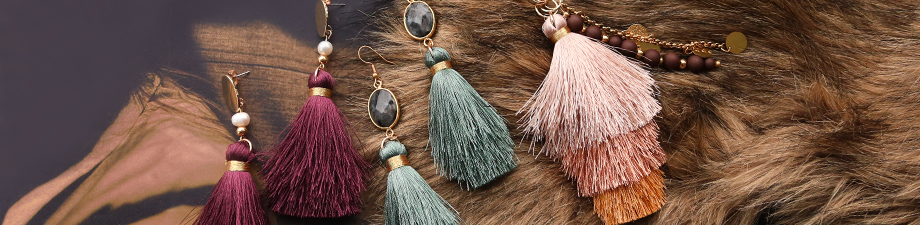 New in the collection: must-have tassels!